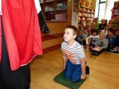 Pasování nových mladých čtenářů vobecní knihovně