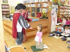 Slavnostní pasování nových malých čtenářů vobecní knihovně