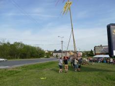 Stavění obecní májky naMenšíkové louce 28.4.2018