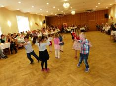 Oslava Svátku matek vKlubu důchodců Ludgeřovice