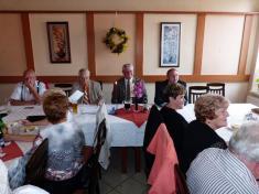 Letošní sedmdesátníci zLudgeřovic aMarkvartovic se9. 9.2014 sešli vObecním domě