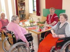 Gratulace klientkám ludgeřovického Domova pokojného stáří sv.Miluláše keSvátku matek